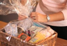 cheap hamper gifts